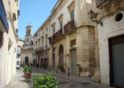 via vittorio emanuele scorcio chiesa con orologio Galatina Lecce